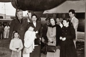 Ava meets the Graves's at Palma airport