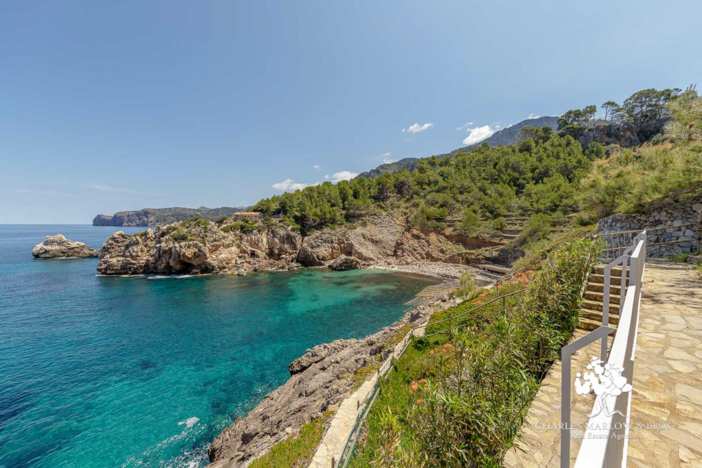 Holiday Home for rent Cala Deia
