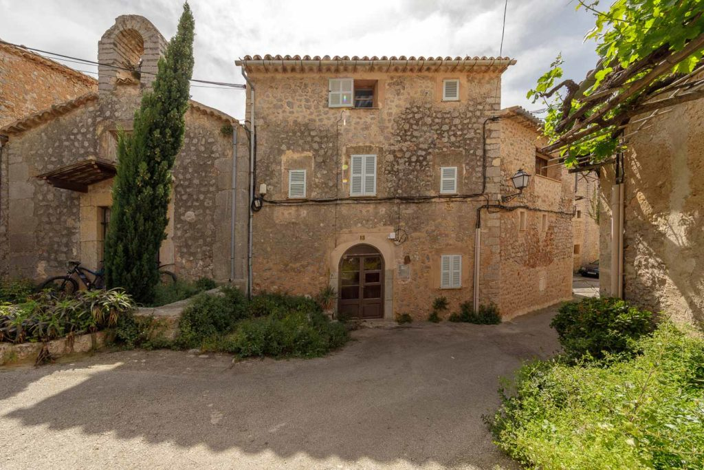 Llucalcari home for sale.