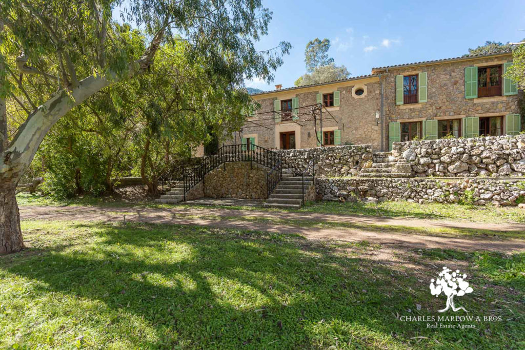 Villa for rent in Valldemossa with Charles Marlow