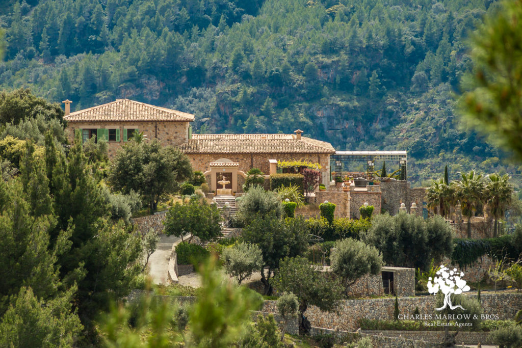 Sa Quinta for rent with Charles Marlow - luxury Mallorca holidays