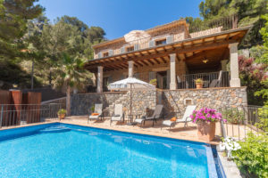 Villa for sale in the Cala Deia area